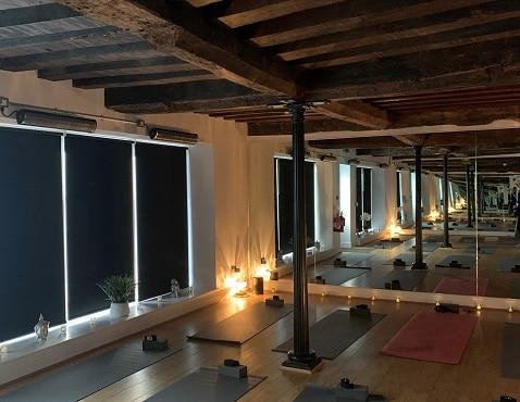 Herschel Aspekt heizt heißes Yoga